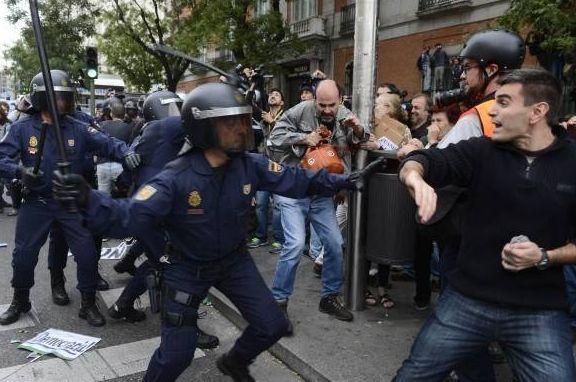 スペインデモ2012画像1.jpg