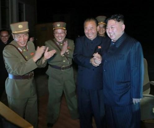 北朝鮮ミサイルが日本上空を通過2.jpg