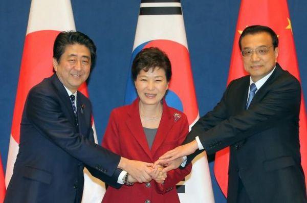 日中韓首脳会談2015.jpg