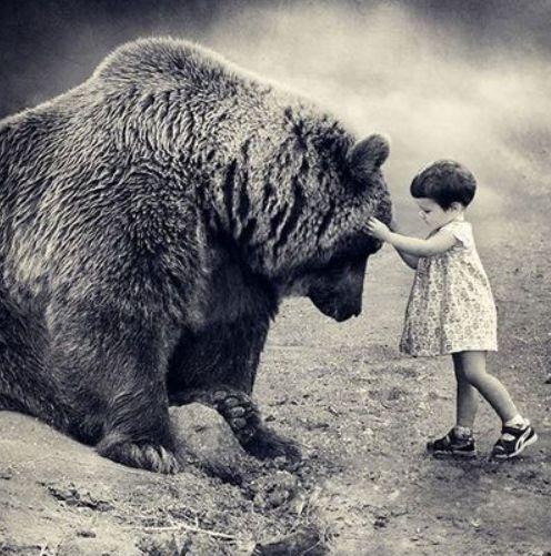 熊と少女.jpg